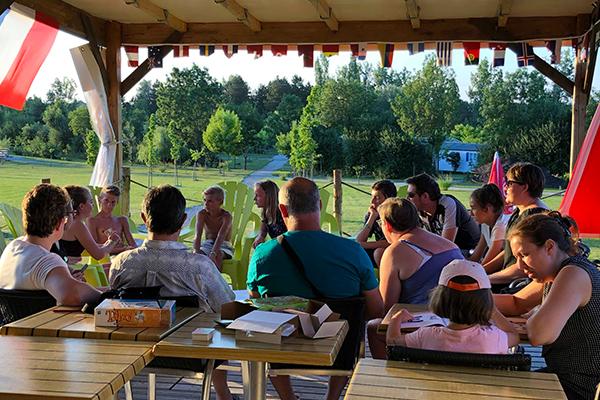 Camping Avec Parc Aquatique Couvert Activite Jeux De Societe Campilo
