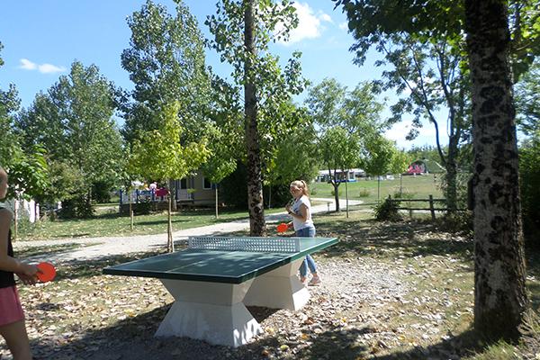 Camping Avec Parc Aquatique Couvert Activite Ping Pong Campilo