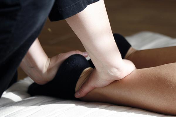 Camping Avec Parc Aquatique Couvert Activite Shiatsu Massage Pieds Campilo